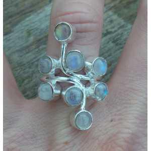Zilveren ring gezet met ronde cabochon Maanstenen 17 mm