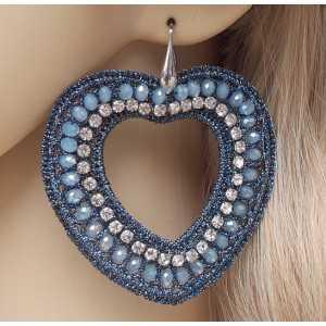 Zilveren oorbellen met harten van zijdedraad en kristallen