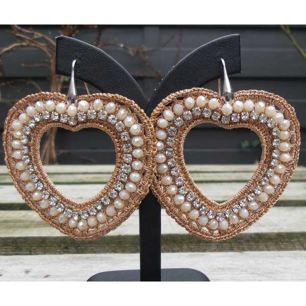 Ohrringe Herzen von seidenen Faden und Kristallen von Lachs-farbige