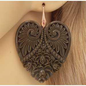 Vergulde oorbellen met uitgesneden hart bruin
