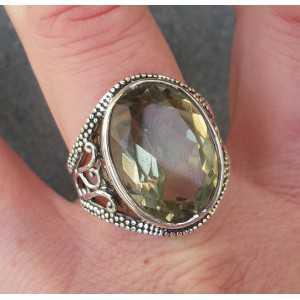 Zilveren ring gezet met ovale groene Amethist 18.5 mm