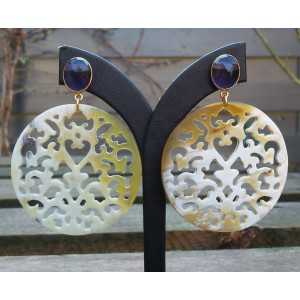 Gold plated earrings round-cut Buffelhoor and Amethyst