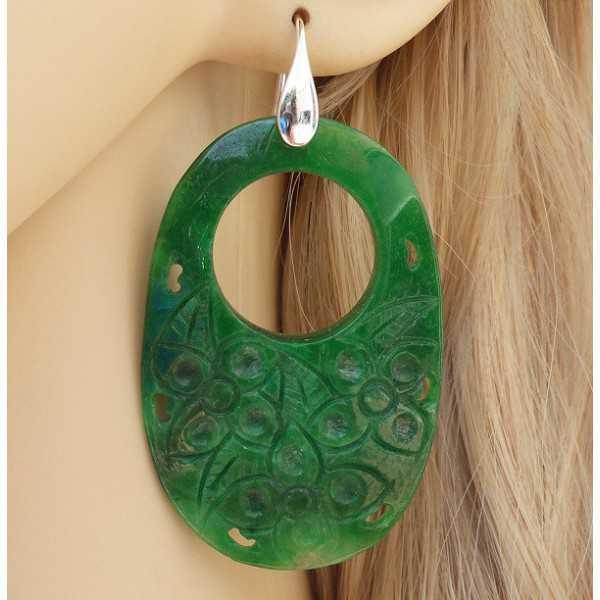 Zilveren oorbellen met ovale uitgesneden groene Jade