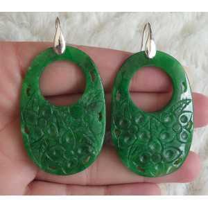 Oorbellen met ovale uitgesneden groene Jade