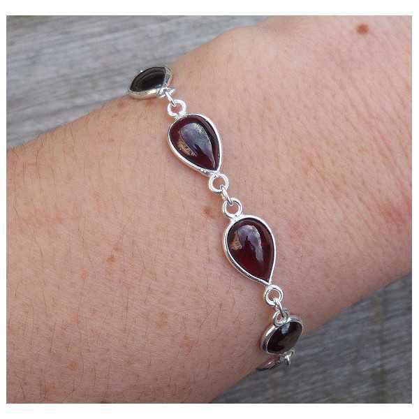 Zilveren armband met druppelvormige cabochon Granaatjes