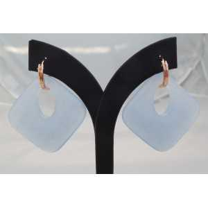 Rosé vergulde creolen met licht blauwe Jade hanger