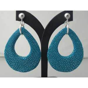Zilveren oorbellen met druppel van oceaan blauwe Roggenleer