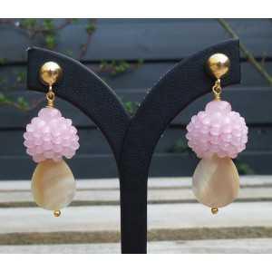Vergulde oorbellen Parelmoer, Rozenkwarts en roze kristallen