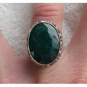 Zilveren ring met Emerald gezet in bewerkte setting 16.5 mm