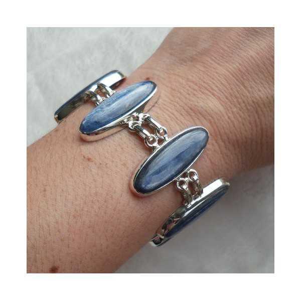 Zilveren armband gezet met ovale Kyaniet schakels