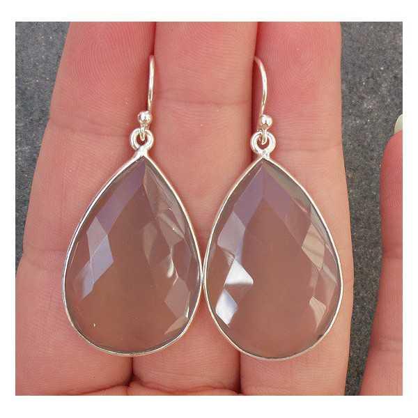 Zilveren oorbellen gezet met grote grijze Chalcedoon