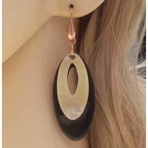 Rosé vergulde oorbellen met ovale Buffelhoorn