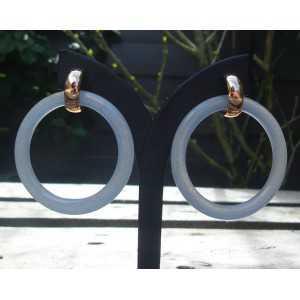 Vergulde creolen met licht blauwe Jade ringen