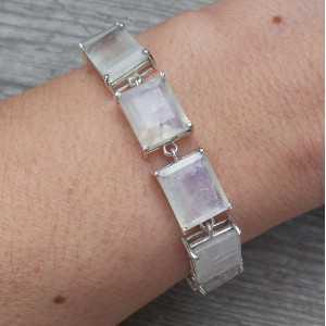 Zilveren armband gezet met rechthoekige facet Maanstenen