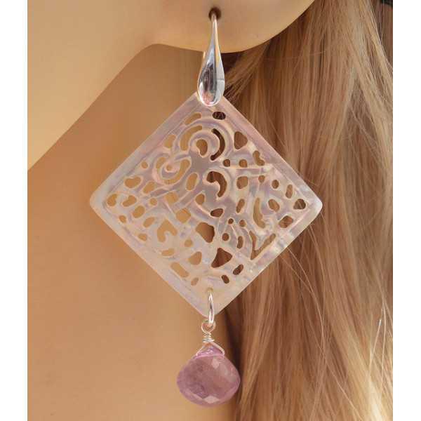 Zilveren oorbellen met uitgesneden Parelmoer en Amethist