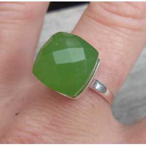Zilveren ring gezet met appeltjes groene Chalcedoon