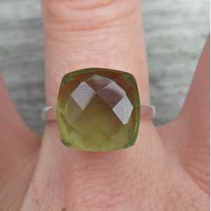 Zilveren ring gezet met groene Amethist