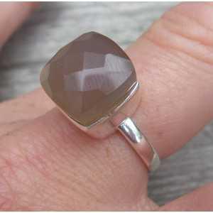 Zilveren ring gezet met grijze Chalcedoon