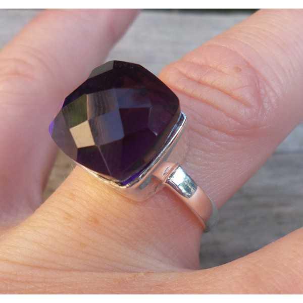 Silber ring set mit quadratischen Facetten Amethyst