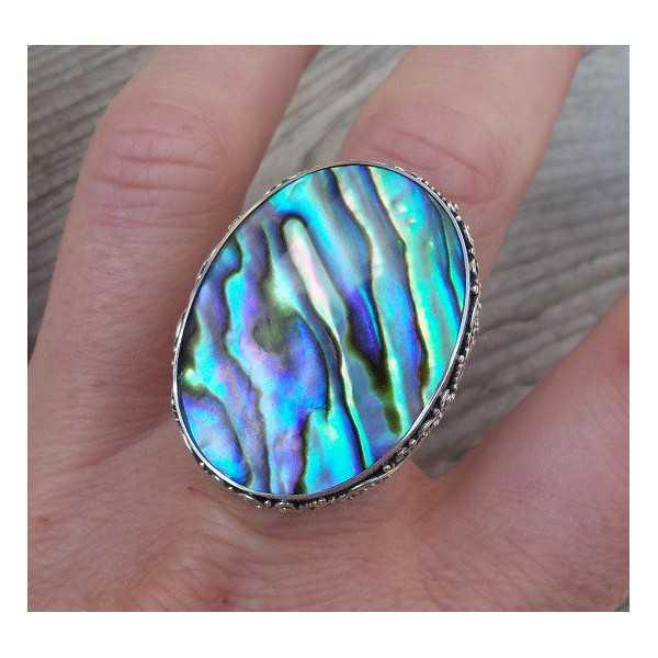 Zilveren ring met grote Abalone schelp bewerkte kop 18.5 mm