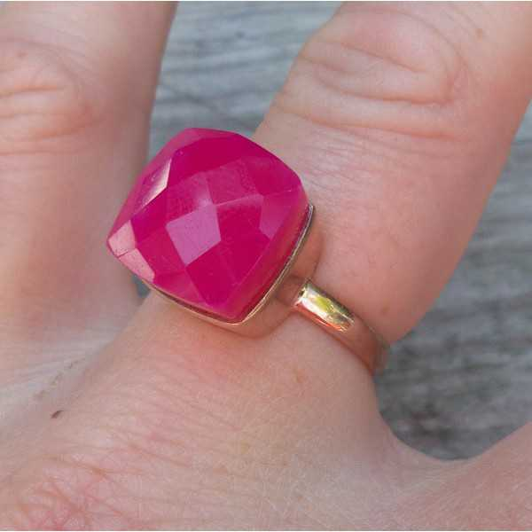 Rosé gold-plated ring set with fuchsia pink Chalcedony