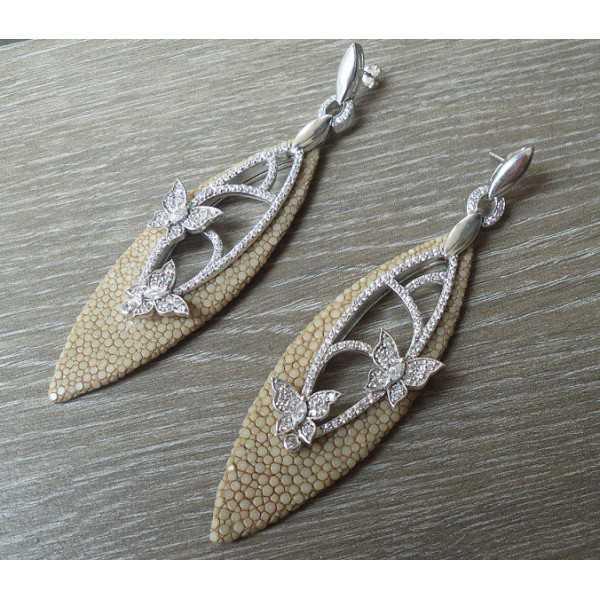 Zilveren oorbellen van Roggenleer en gezet met Zirkonia