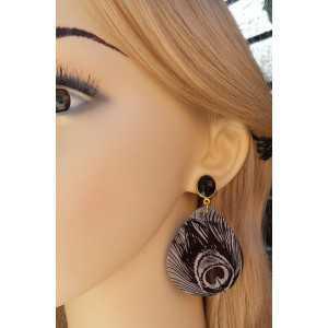 Vergulde oorbellen met zwarte Onyx en grote shelp
