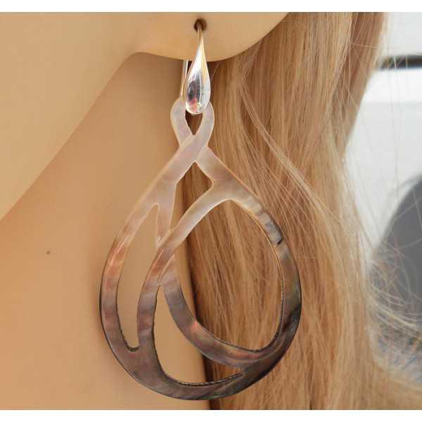 Zilveren oorbellen met uit parelmoer gesneden ovaal