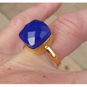 Gold-plated ring set with square cobalt blue Chalcedooon