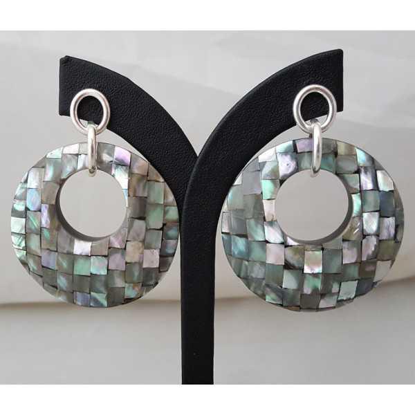 Zilveren oorbellen met ronde hanger van mozaïek Parelmoer