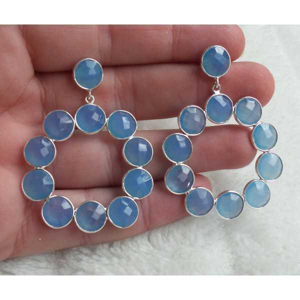 Zilveren oorbellen met ronde facet blauw Chalcedoon stenen