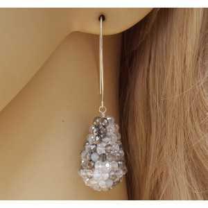Zilveren oorbellen met druppel van mixed grijs witte kristallen