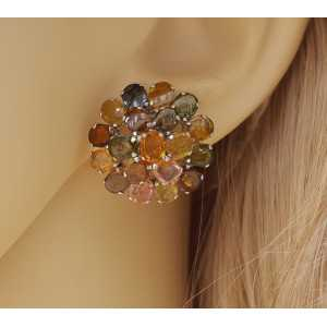 Zilveren oorbellen gezet met facet geslepen Toermalijn