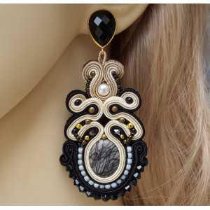 Goud vergulde oorbellen met Onyx en handgemaakte hanger
