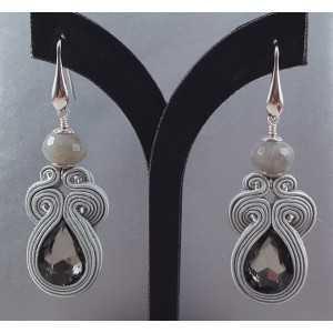 Zilveren oorbellen met Labradoriet en handgemaakte hanger