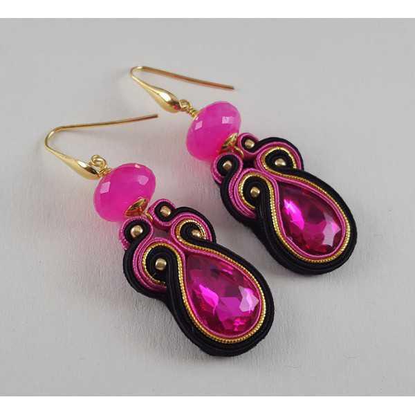 Goud vergulde oorbellen met fuchsia roze Chalcedoon en handgemaakte hanger
