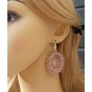 Zilveren oorbellen gezet met Rozenkwarts en roze kristallen