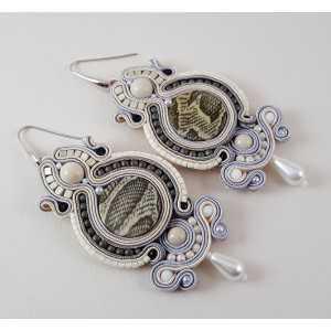 Zilveren oorbellen met handgemaakte hanger