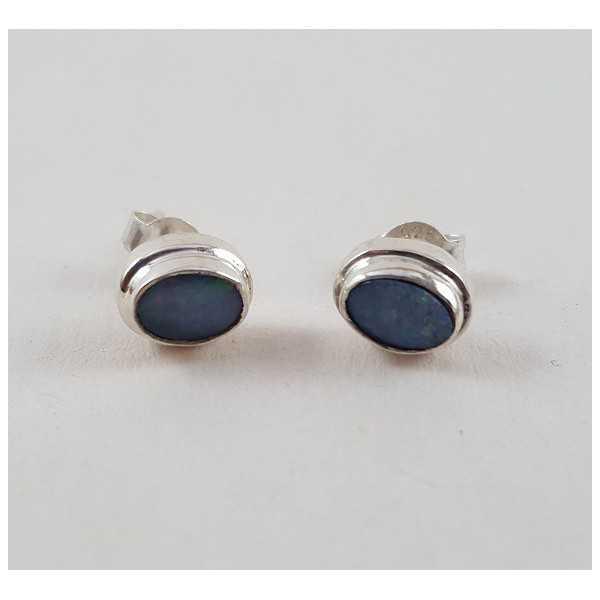 Zilveren oorknoppen gezet met Doublet Opaal