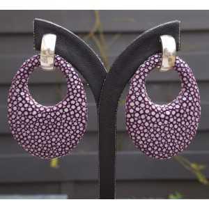 Zilveren creolen met ovale hanger van paars Roggenleer