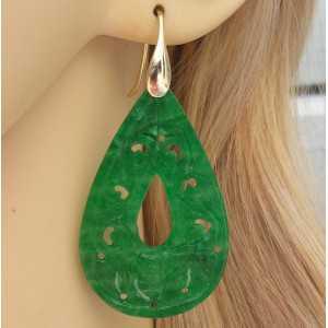 Vergulde oorbellen gezet met uitgesneden groene Jade