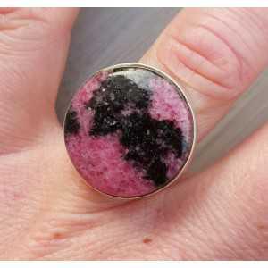 Zilveren ring gezet met ronde Rhodoniet 17 mm