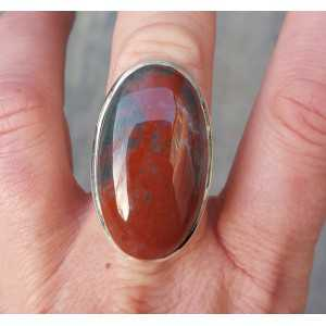 Zilveren ring gezet met ovale Bloedsteen maat 17.3 mm