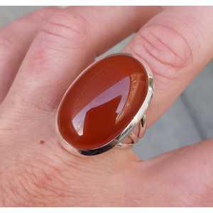 Zilveren ring gezet met brede ovale Carneool 18 mm