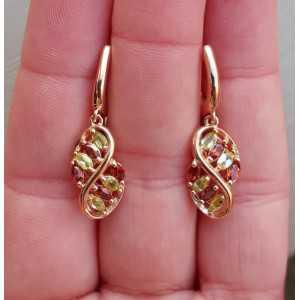 Rosé vergulde oorbellen gezet met Granaat en Peridot