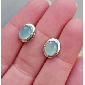 Zilveren oorknoppen gezet met cabochon Chalcedoon