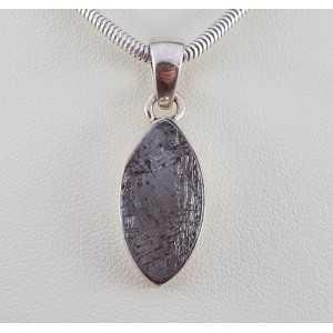 Zilveren hanger gezet met marquise Gibeon meteoriet