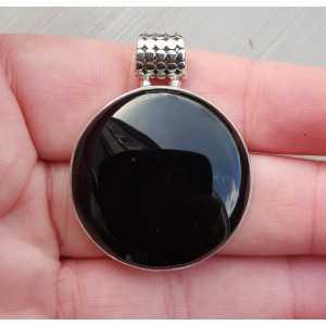 Zilveren hanger met ronde cabochon geslepen zwarte Onyx