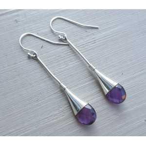 Zilveren oorbellen gezet met Amethist druppel