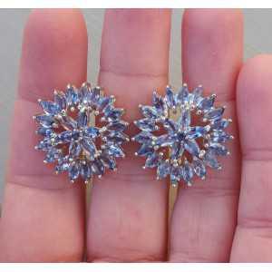 Zilveren oorbellen gezet met marquise geslepen Tanzaniet
